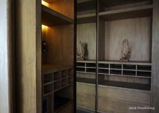 deluxe walk-in closet Presidential Suite Alila Solo