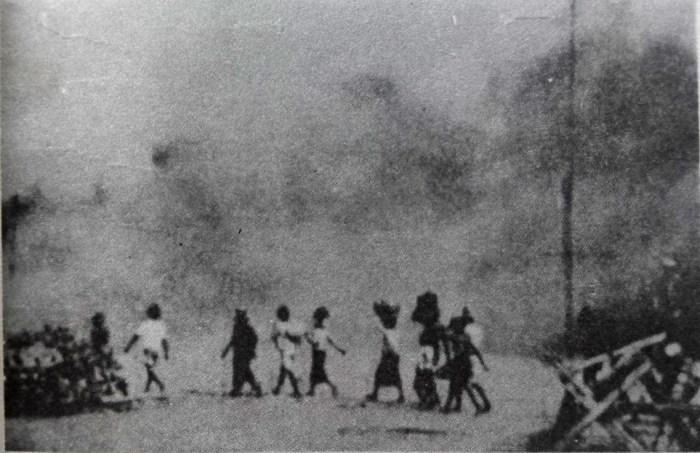 Mengungsi diantara peperangan 10 November