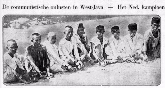 Gambar 2.4 Penangkapan orang-orang yang dituduh terlibat pemberontakan di Banten. Sumber foto: De Telegraaf, 14 Desember 1926