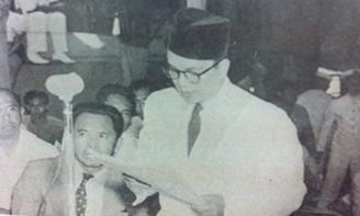 Gambar 1. Amir ketika perundingan Renville. Sumber foto: Majalah Prisma 8 Agustus 1977