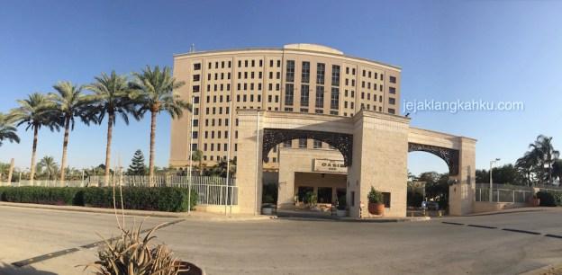 Nginep di Hotel Oasis Jericho Palestina, Berasa Nuansa Padang Pasirnya, Puas Berenangnya !
