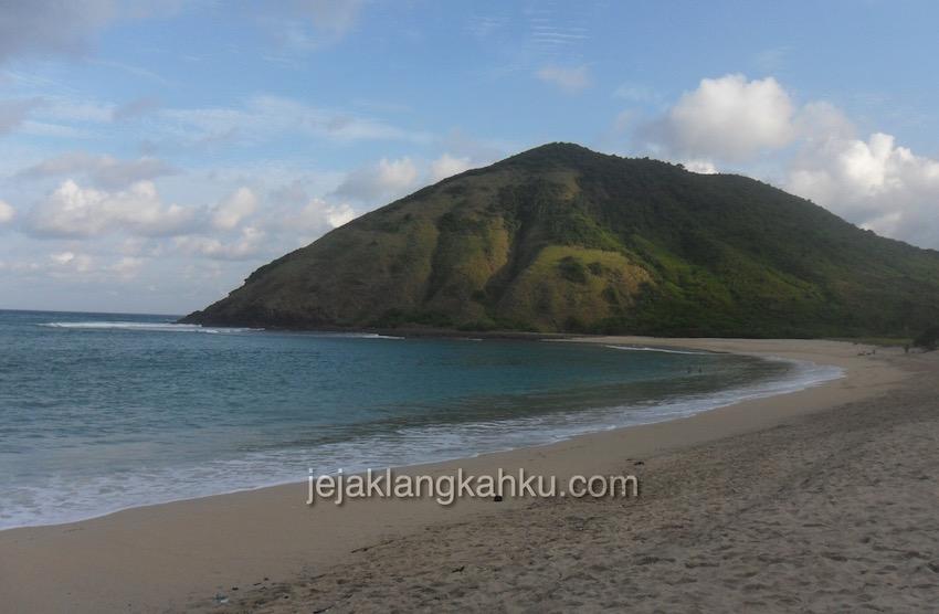mawun-beack-lombok-1