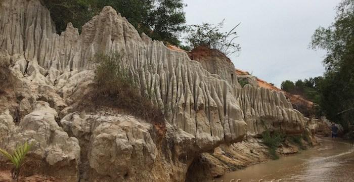 Bagaikan Berjalan di atas Karpet Merah di Sungai Kecil Fairy Stream – Mui Ne, Vietnam