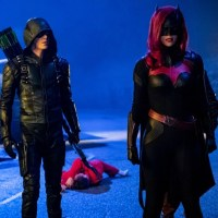 Download Arrow Season 7 Episode 9: Elseworlds - Part 2