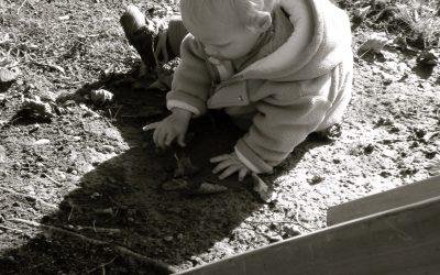 Pourquoi se salir dans la nature est bon pour la santé des enfants ?