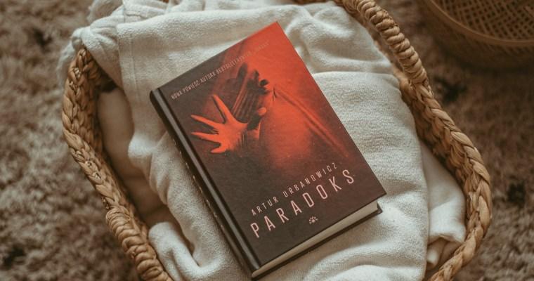 Paradoks – Artur Urbanowicz