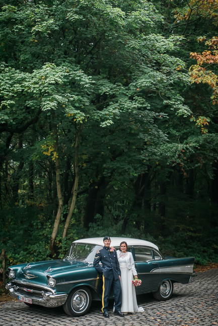 bride-groom-chevrolet-oldtimer
