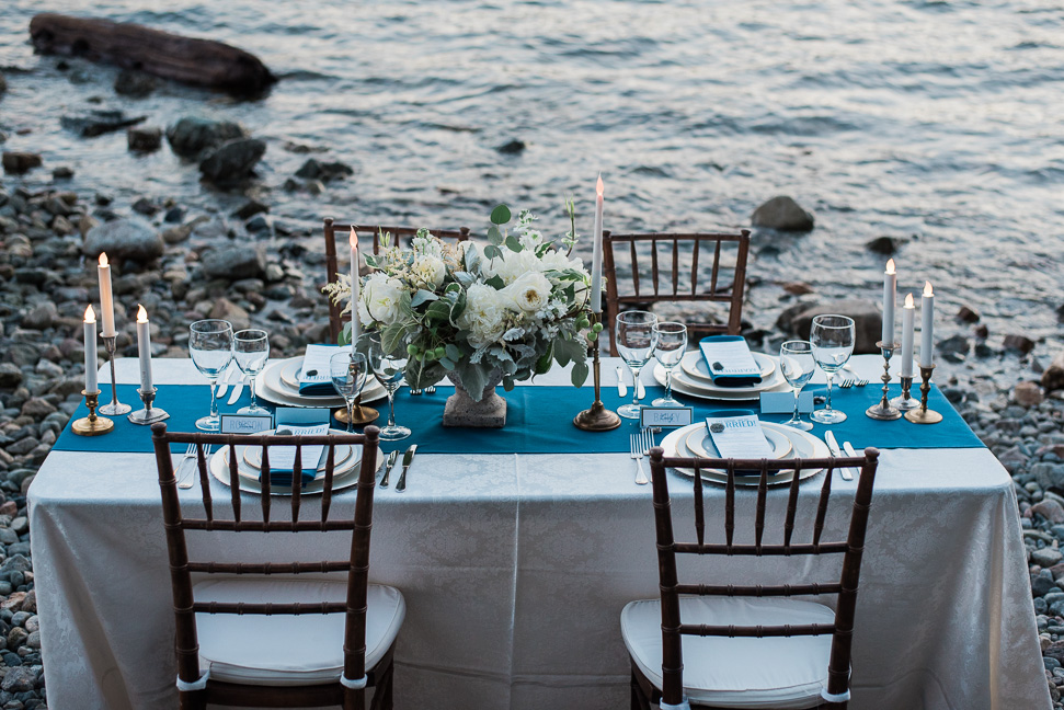 ocean-table-setting-inspiration