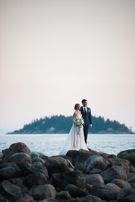 bride-groom-westcoast-ocean