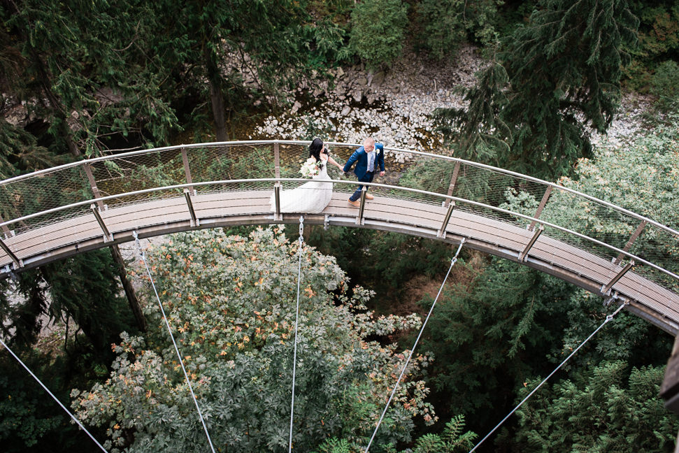 capilano-suspension-bridge-wedding