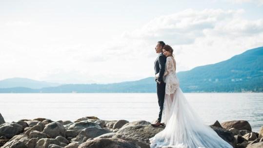 pre-wedding photos in Stanley Park Vancouver