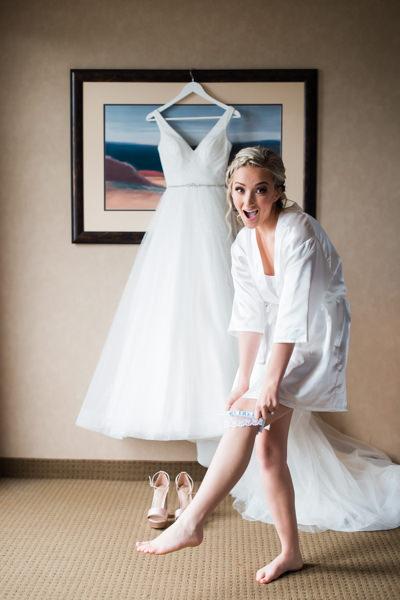 bride getting ready in Harrison Hot Spring Resort