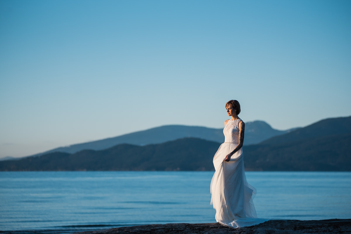 Wreck Beach photos by vancouver wedding photographer Tanja