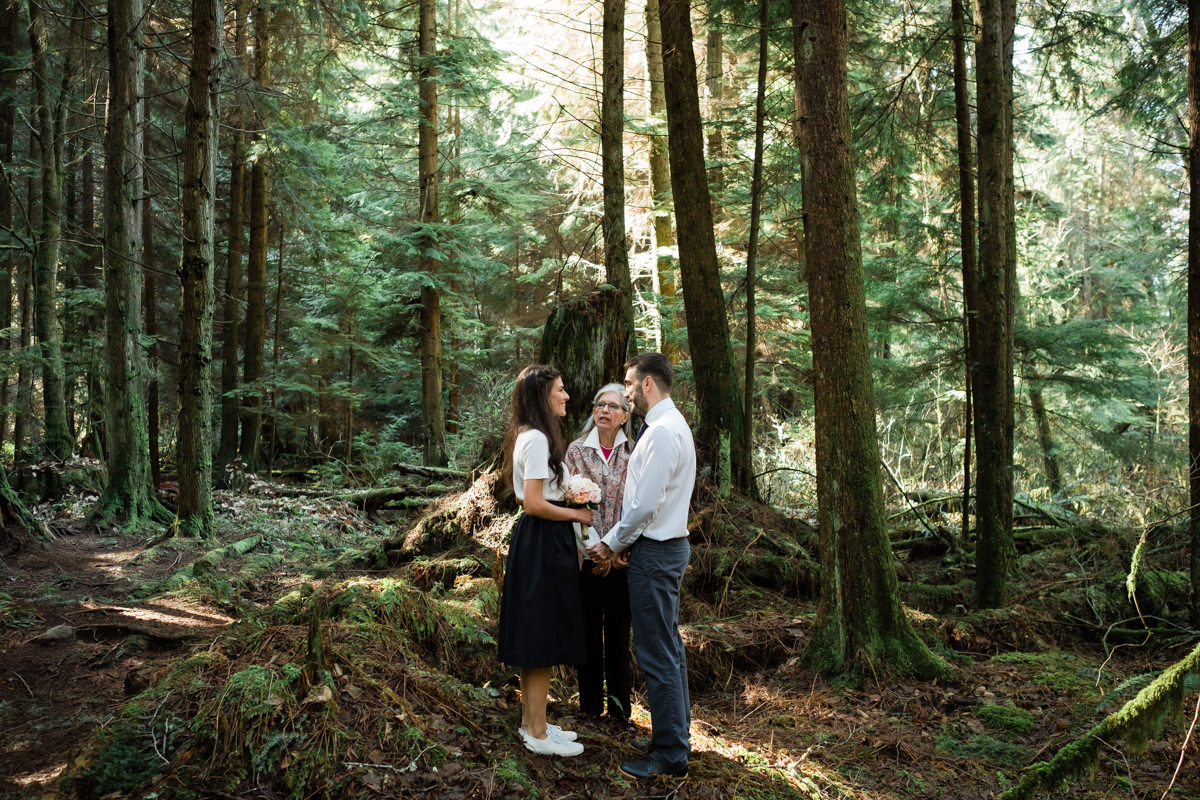 Elopement in Stanley Park