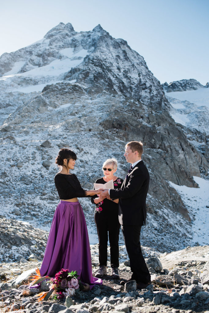 Squamish helicopter elopement