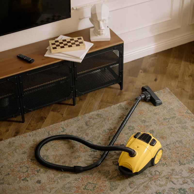 yellow and black vacuum cleaner