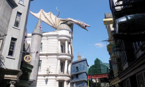 Het Harry Potter dorp is zeker de moeite!