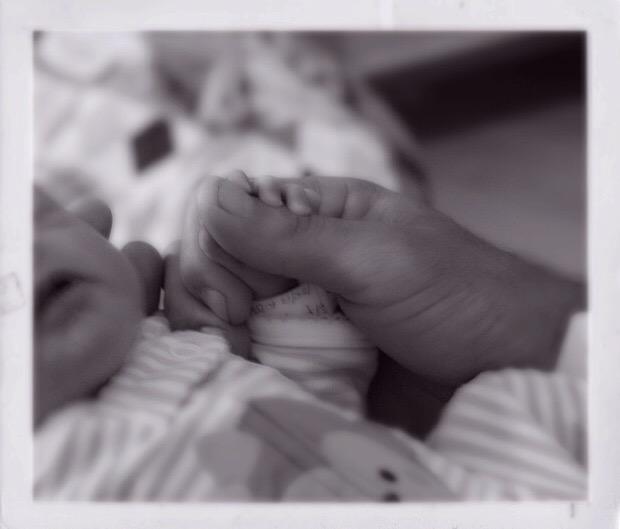 Attachement sécurité Dormir avec bébé enfant cododo cosommeil sécuritaire comment pourquoi ethnopédiatrie sociologie anthropologie famille parentage de proximité maman à la maison partager lit sommeil allaitement chambre blog maman à la maison marie-eve boudreault