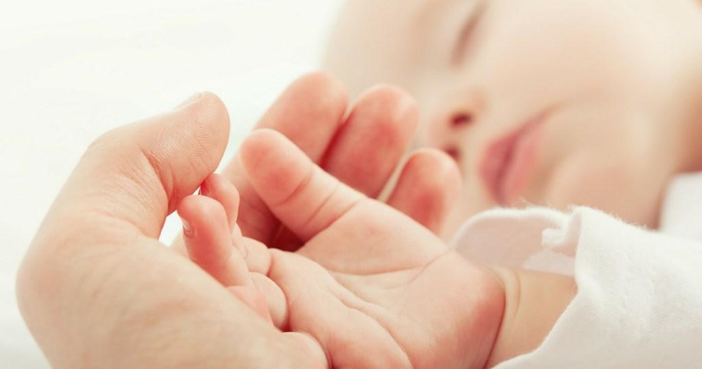 Bébé 5-10-15: Est-ce que la méthode pour endormir bébé est vraiment bonne?