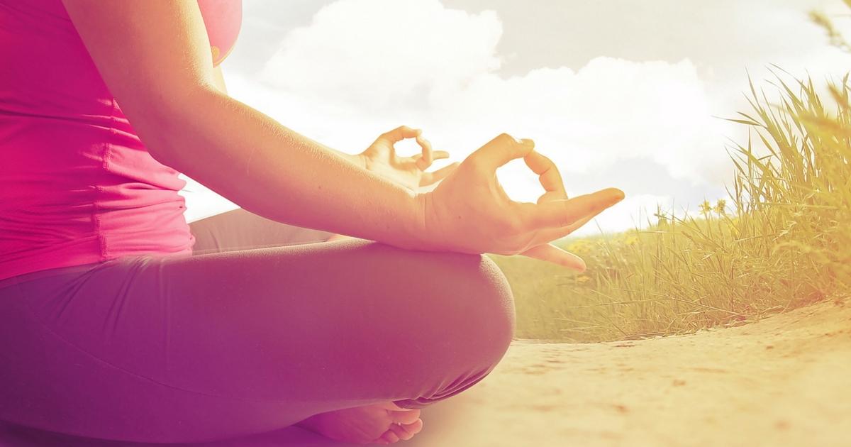 Yoga pour mamans, à lire sur Je Materne!
