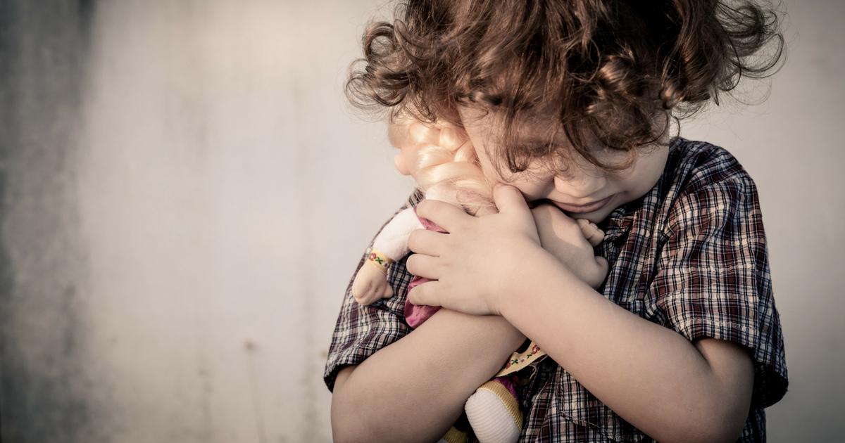 À LIRE ABSOLUMENT! Ne laisse jamais pleurer ton bébé, c'est NOCIF! Voici pourquoi en 10 faits méconnus expliqués. Clique sur l'image pour lire sur JeMaterne.com #bébé #maman #laisserpleurer