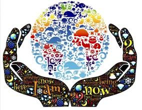 mains tenant la sphère de la vie