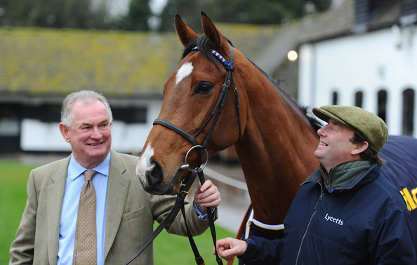 Oscar Whisky with owner Dai Walters and trainer Nicky Henderson
