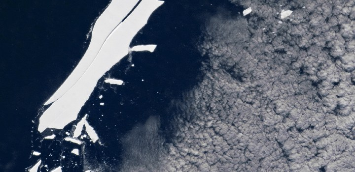 iceberg b15 by NASA