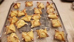 crab rangoon, cream cheese wontons