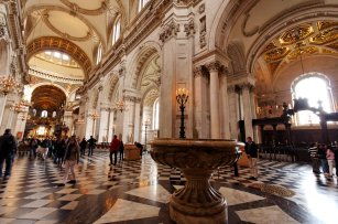 inside_st_paul__s_cathedral_ii_by_squareonion-d3g4hm9