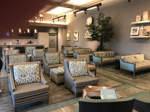 outlets san clemente vip lounge