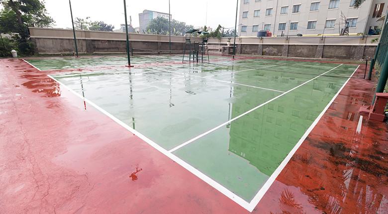 Lapangan tenis apartemen mediterania garden residence 1