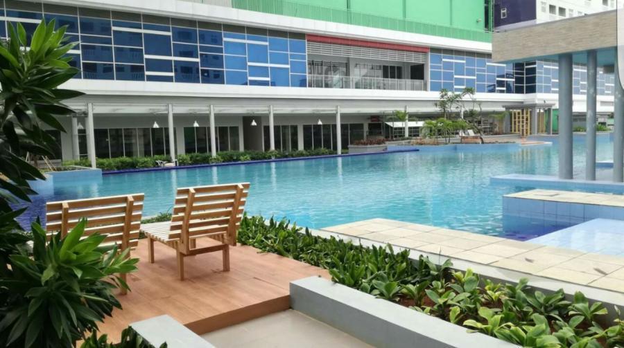 Kolam Renang Green Pramuka City