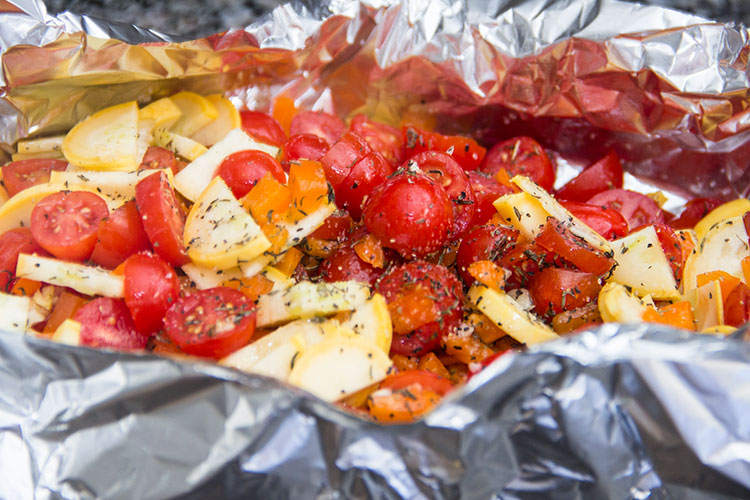 grilling-summer-vegetables-in-foil