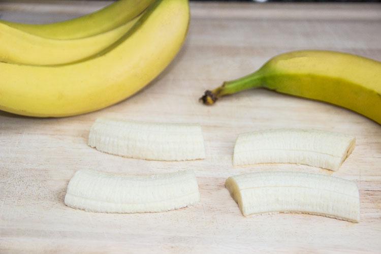 slicing-bananas