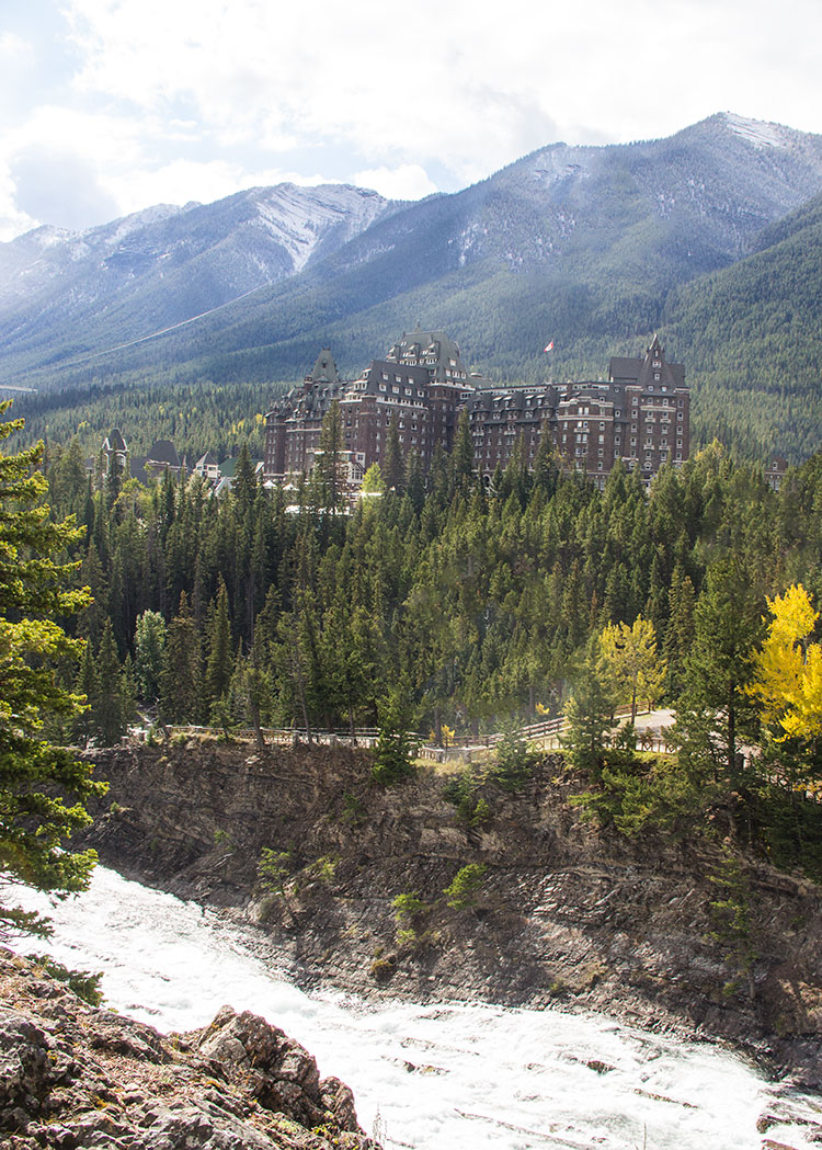 fairmont-banff-springs-in-the-mountains