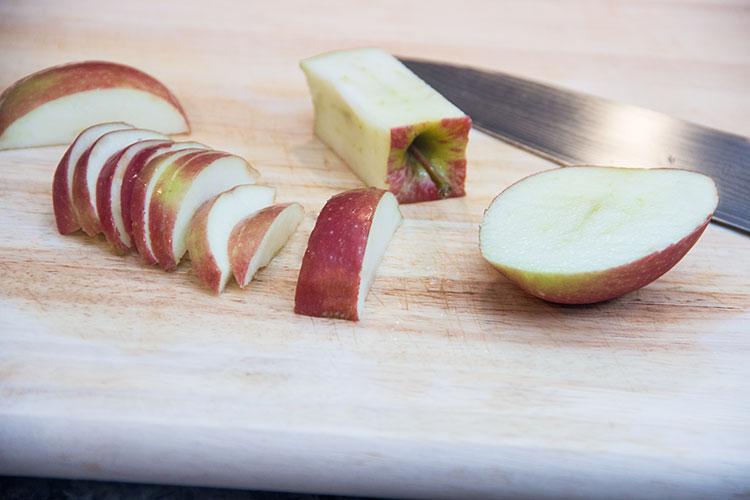 slicing-apple