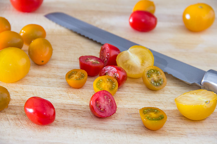 slicing-mixed-tomatoes-blend