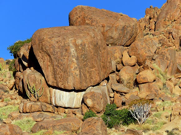 Pretty rocks, Tiras Guest Farm, Namibia