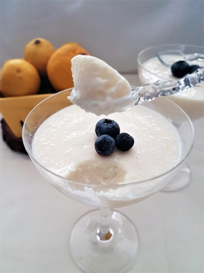 Mousse de yogurt y lim n yogurt lemon mousse jengibre y - Mouse de yogurt ...