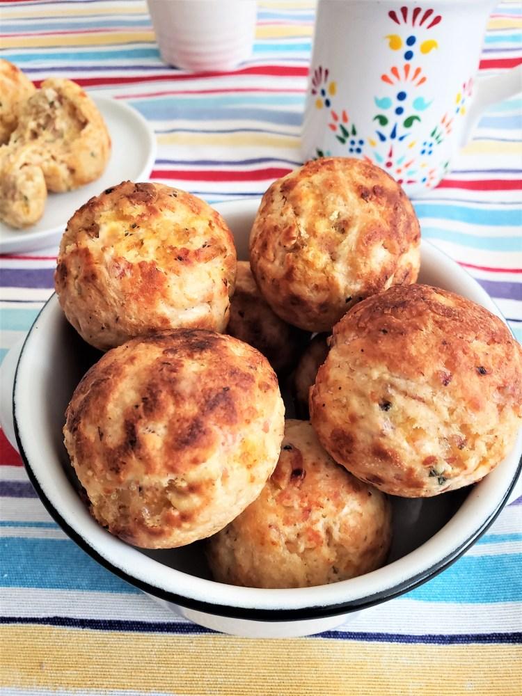 Bolitas de hotcake con jamón y queso (2)