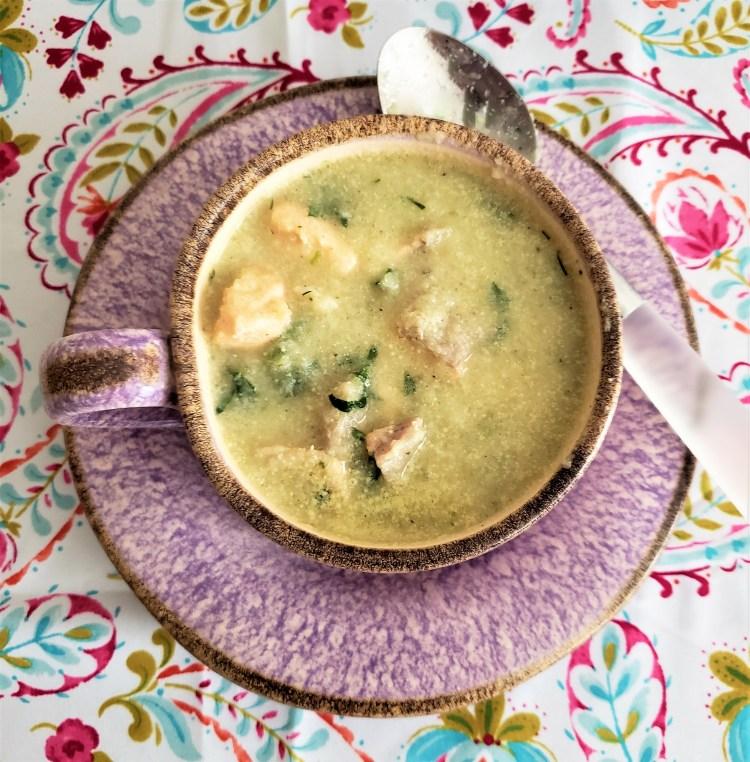 Sopa de coliflor y salmón.jpg