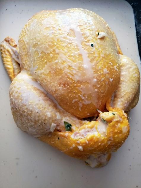Pollo rostizado en coco con papas