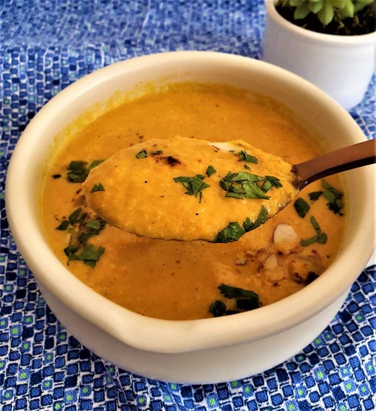 Sopa zanahoria rostizada con nuez de la india