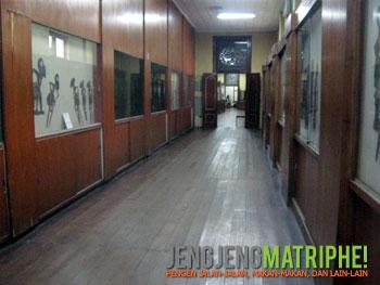 Suasana di dalam Museum Wayang