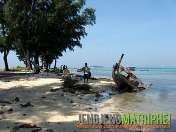 Pantai di Pulau Panggang
