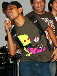 Kaos dari GantiBaju.com