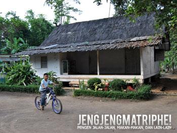 Rumah adat Kampung Pulo
