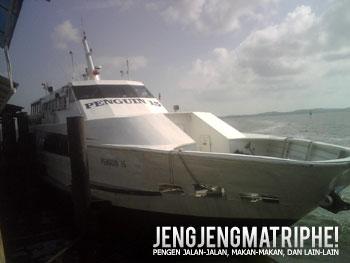 Kapal cepat milik operator Penguin