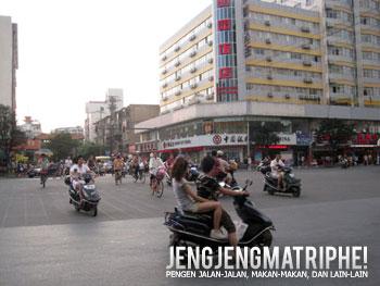 Situasi lalu lintas di Guilin yang riuh.